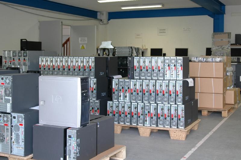 Täglich erreichen uns neue Lieferungen von gebrauchter Hardware.